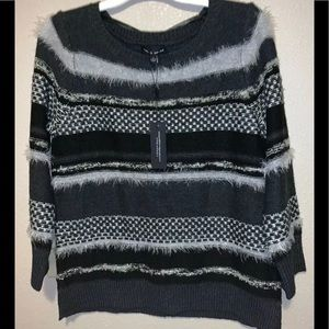 Cable & Gauge Small NWT Ladies Sweater Black Gray